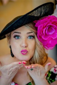 Flying kiss Photography